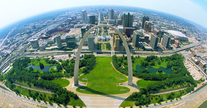 bird's eye view of the Gateway Arch and downtown St. Louis